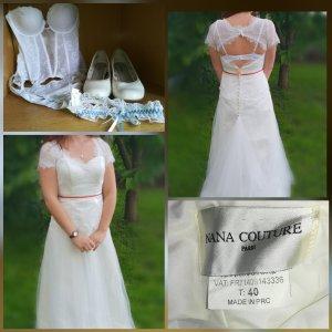 Einmal getragenes wunderschönes schlichtes Brautkleid