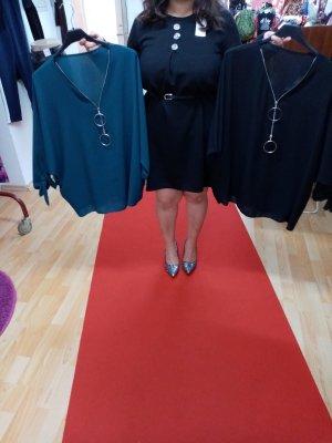 0039 Italy Robe pull noir-bleu