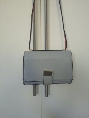 Eisblaue Clutch, Zara