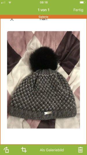 Cappello in tessuto argento-grigio