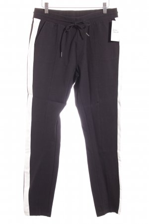 Eksept Sweathose schwarz-creme Street-Fashion-Look