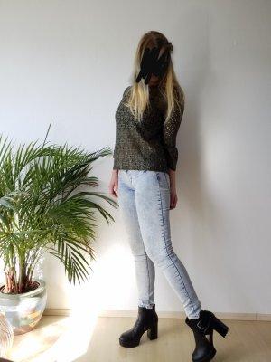 elastische Röhrenjeans / Jeans mit heller Waschung