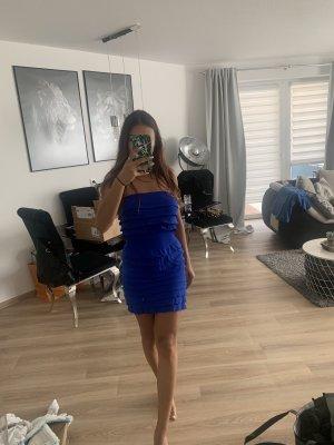 Elastisches Kleid