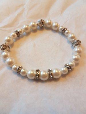 Elastisches Perlen-Armband mit Silber-Details (selbstgemacht)