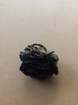 Elegant Black Lace Ring