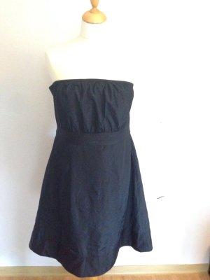 Elegant verspieltes Kleid ohne Arme in schwarz, Größe 42