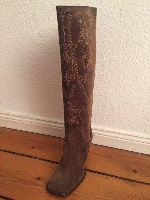 Elegante bestickte Stiefel aus Wildleder von Baldinini in braun und Gold