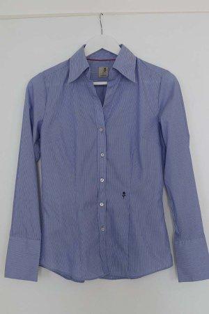 Elegante blau-weiß gestreifte Bluse, preppy