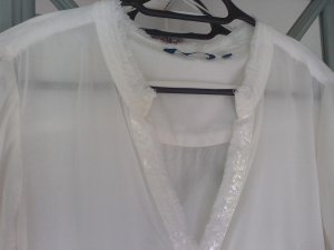 Elegante Bluse in Cremeweiß
