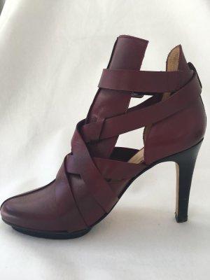 Elegante bordeauxrote Riemchen-High Heels