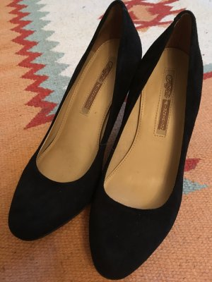 Elegante Buffalo Pumps