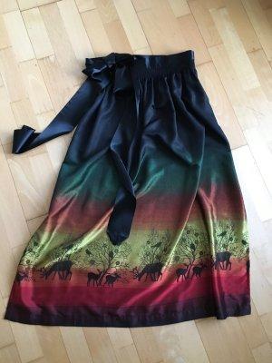 Elegante Dirndschürze - schwarz, grün, rot