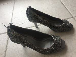 Elegante grau glitzernde Pumps