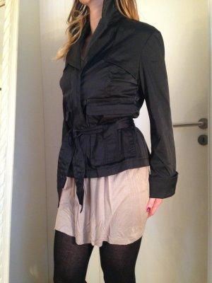 elegante Kurz-Jacke,schwarz, ausgefallene Details,von Comma,Gr. S