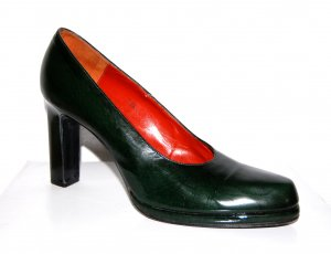 elegante Leder Pumps von Yves Saint Laurent Gr. 39