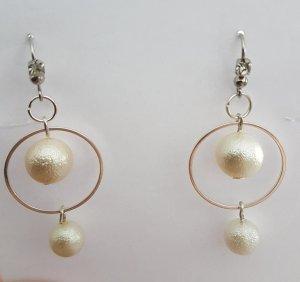 Elegante Perlen-Ohrringe mit Silber-Kreolen umrandet (selbstgemacht)