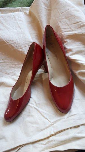 Elegante rote Lackpumps von Peter Kaiser