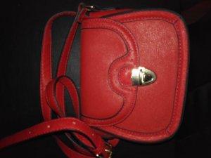 Elegante rote Tasche aus Ecoleder, neu