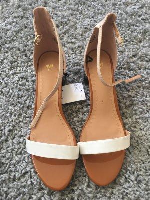 Elegante Sandale mit Blockabsatz
