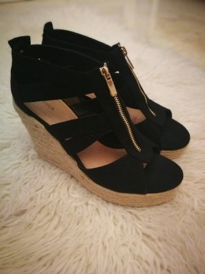 Akira Wedge Sandals black