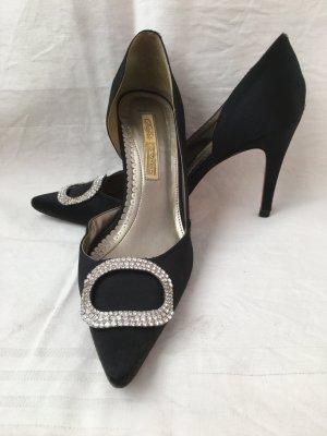 Elegante Satin-Schuhe nicht nur für den Abend