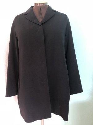 Elegante schwarze Jacke von Turnover