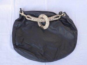 Elegante schwarze Jimmy Choo Tasche mit Schlangenledergriff und Armreif