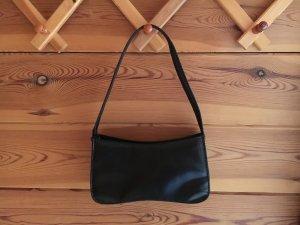 Elegante schwarze kleine Tasche