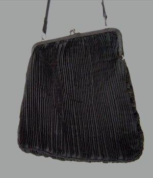 Elegante schwarze Plisseetasche zum Umhängen