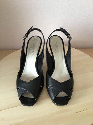 Elegante schwarze Sandalen