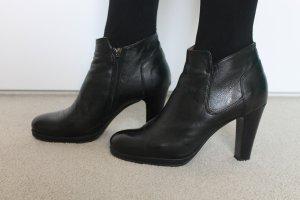 elegante schwarze Stiefelette