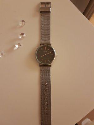 elegante, silberne Armbanduhr von OOZOO