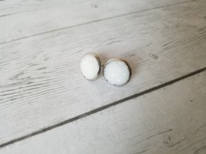 Zarcillo blanco-color plata
