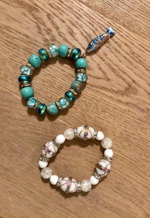 Elegante Sommer-Armbänder in weiß und türkis