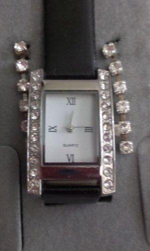 Reloj negro-color plata