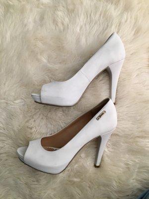 Elegante weiße Schuhe aus Leder