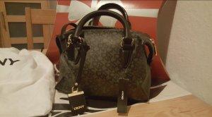Elegante wunderschöne kleine DKNY-Tasche