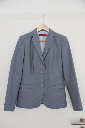 eleganter blau weiß gesttreifter Damen Hosenanzug von Hugo Boss