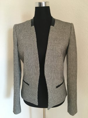 Eleganter Blazer mit Lederapplikation