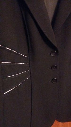 Eleganter Blazer mit Musterschlitzen
