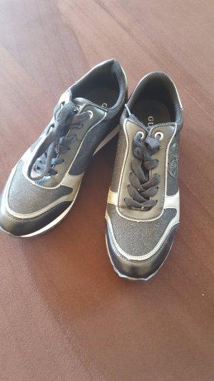 Eleganter Guess Sneaker mit Glitzer, NEU