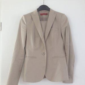 Hugo Boss Tailleur-pantalon crème coton