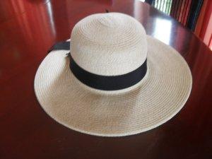 Eleganter Hut für Sommer/Strand
