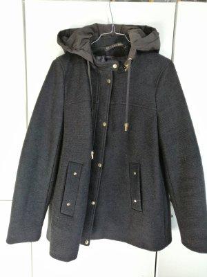 Zara Abrigo corto negro