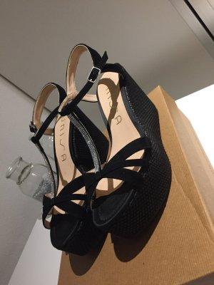 Eleganter offener Schuh