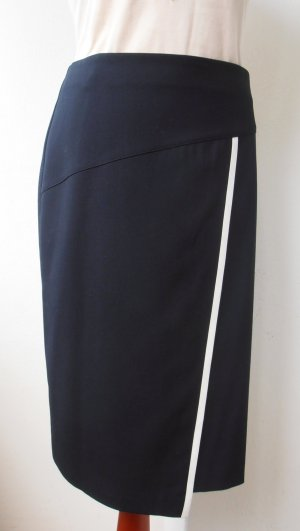 Eleganter Pencilskirt mit crèmefarbenem Lederstreifen