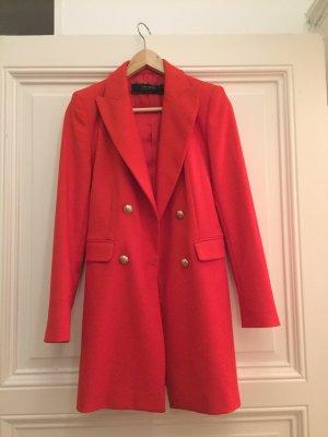 Zara Abrigo corto rojo