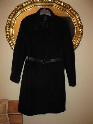 Eleganter schwarzer Mantel, D34