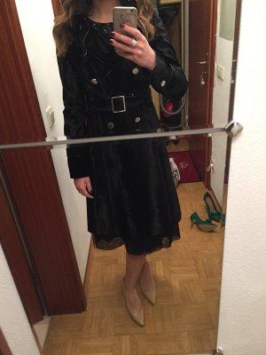Eleganter schwarzer Mantel von Karen Millen