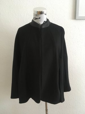 Eleganter schwarzer Poncho Cape NEU!